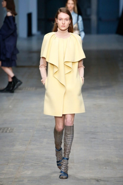 Hypnotizing or charming? Marie Clopterop works both looks for Les Copains and Albino Teodoro AW18, Milan