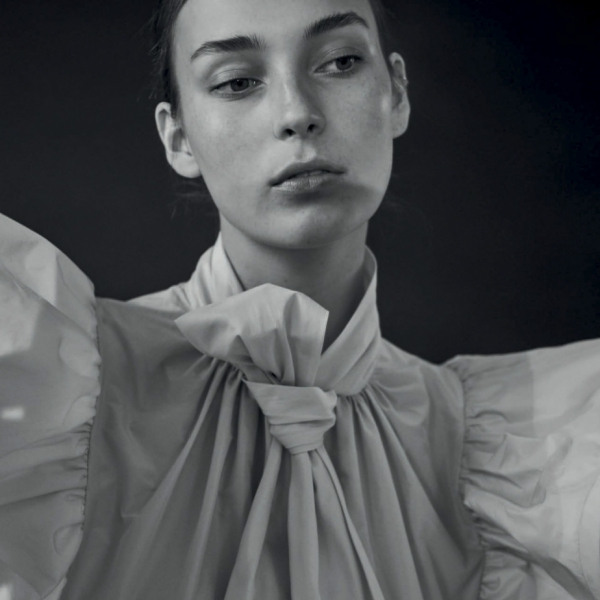 Dreamy Julia Bergshoeff for Twin Magazine